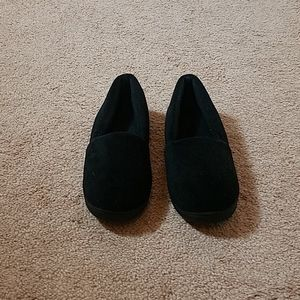 Isotoner black slip on slippers size 8.5-9